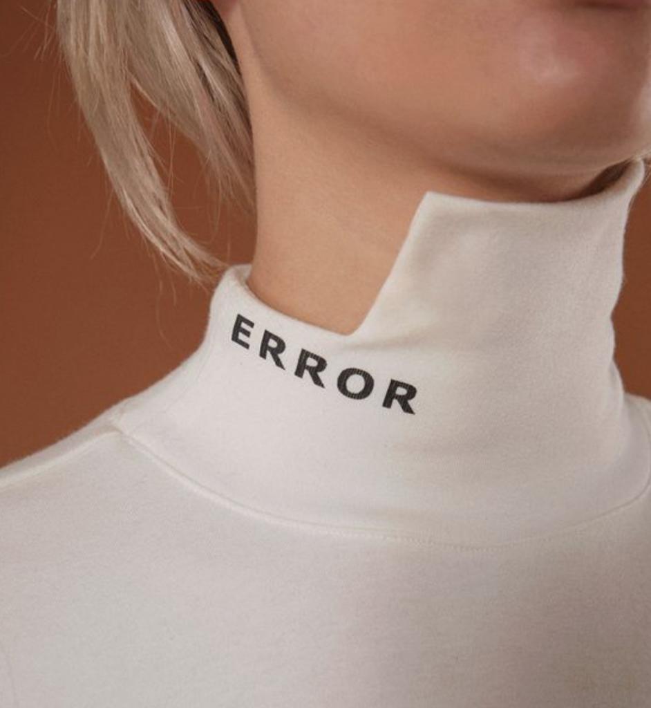 error-white-jumper-wag1mag