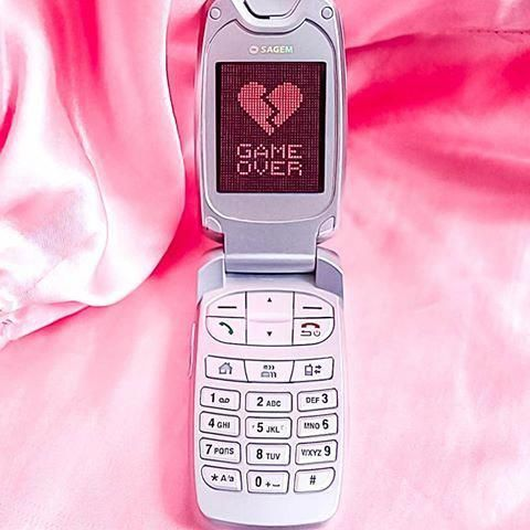 game-over-phone-wag1mag Vía Pinterest