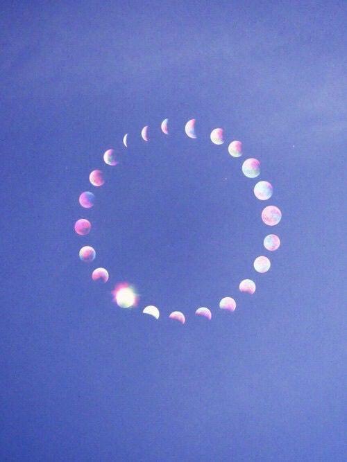 moon-circle-wag1mag