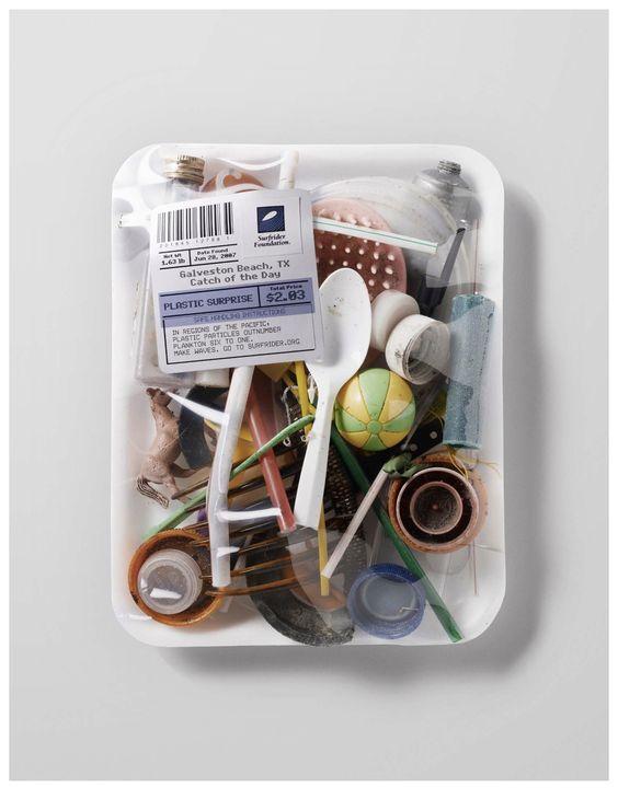 plastic-box-wag1mag