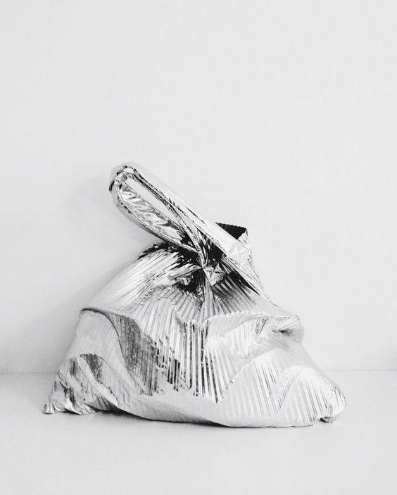 silver-minimal-bag-wag1mag